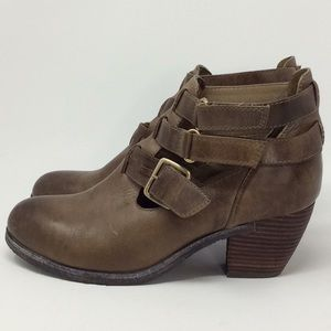 ANTELOPE 665 Strappy Cutout Leather Bootie